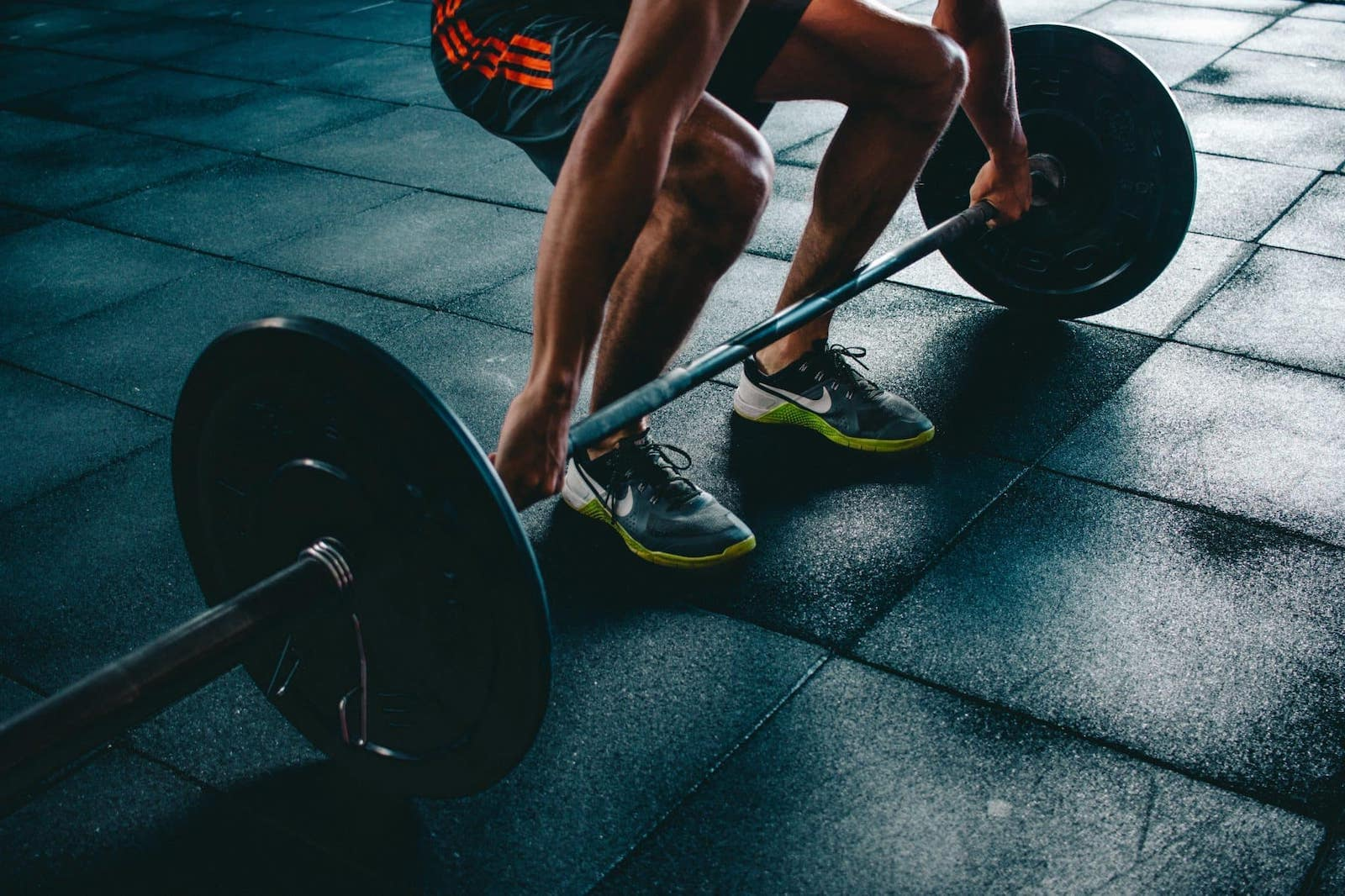 Stay fit while travelling - Deadlifts