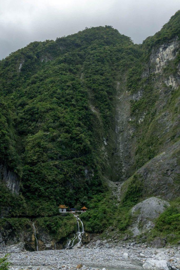 Guide to Taroko - Hiking - Temple