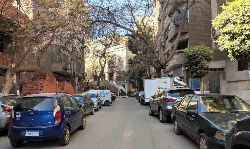 Neighbourhoods of Cairo - Dokki - Cars on street, double parked