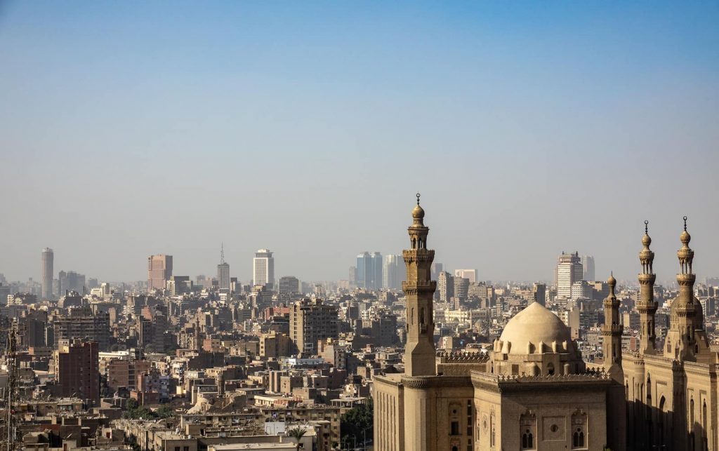 A guide to living in Egypt (mostly Cairo) for expats or people considering moving there, including language, culture, religion, society and more.