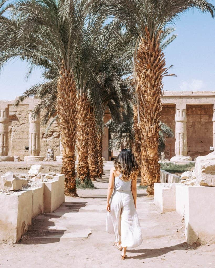 What to wear when visiting temples in luxor
