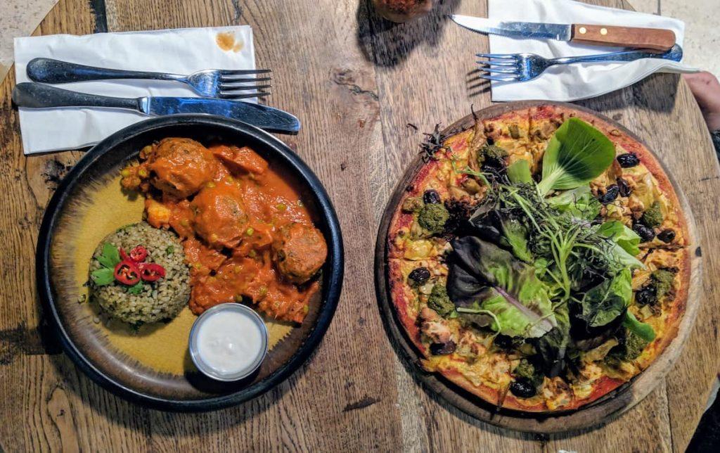 pizza from Meshek Barzilay - great vegan only restaurant in tel aviv
