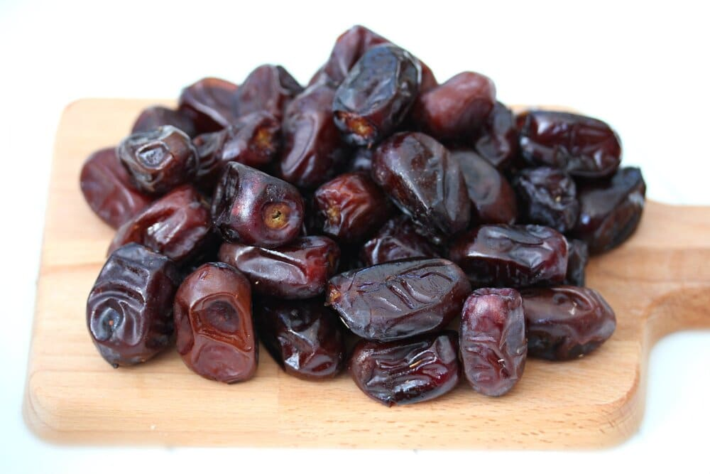 Persian dates at the core of persian proverbs