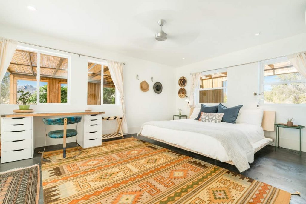 cielito lindo joshua tree airbnb california retreat - bedroom