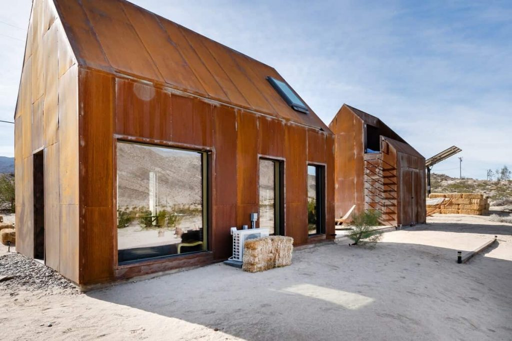 Romantic Airbnb Joshua Tree Architect's Off-Grid Stargazing Cabin