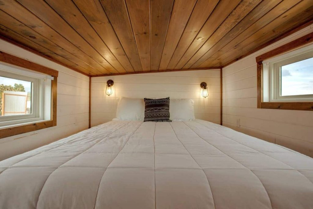 tiny home airbnb joshua tree bed