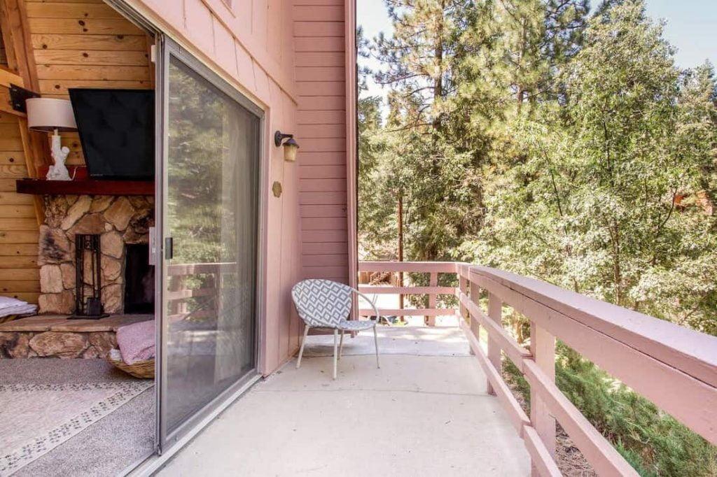 Krt Cabin quirky rustic big bear cabin