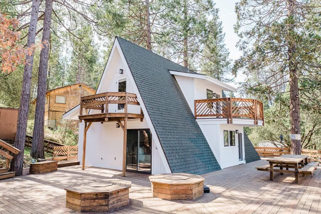 Best Airbnb in Yosemite Acorn Falls A-Frame