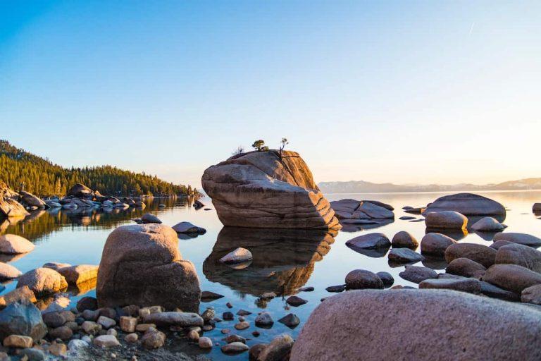 16 Stunning Airbnb Lake Tahoe Cabin Rentals (2021)