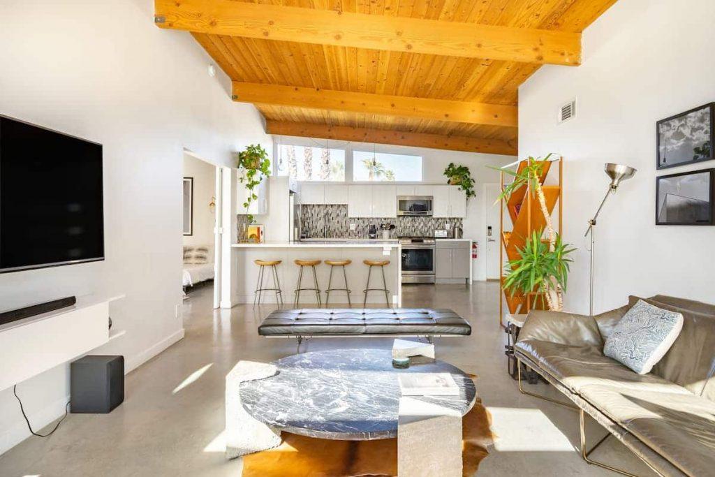 Best Airbnbs in Palm Springs Mid-Century Modern Gem