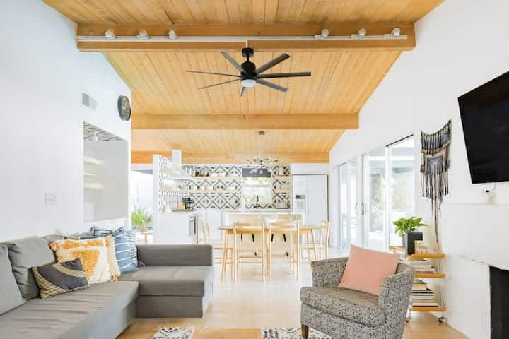 Earthy Modernist Pool Home Best Airbnb Palm Springs
