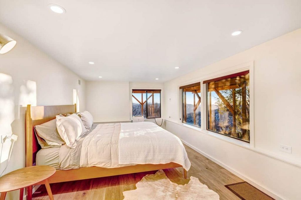 Light And Bright Cabin with Views Best Idyllwild Cabins