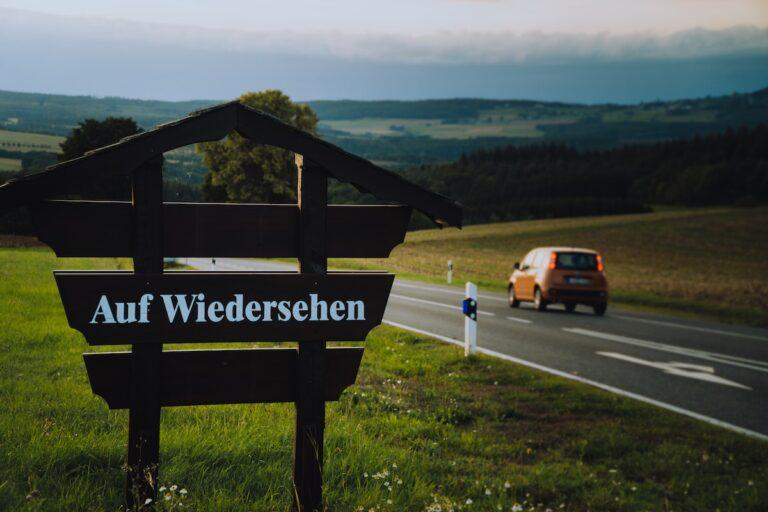 14 Ways to Say Goodbye in German – Beyond Auf Wiedersehen
