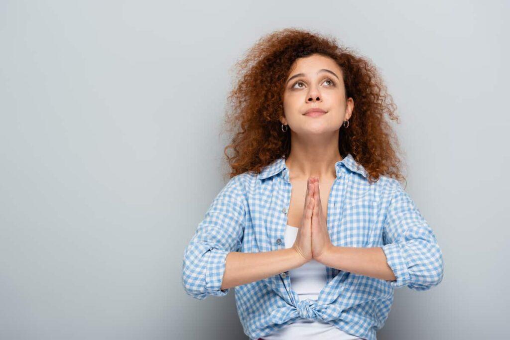 thank you in arabic woman praying