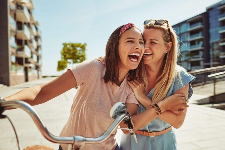 7 Ways to Say Friend in German – From Formal to Slang